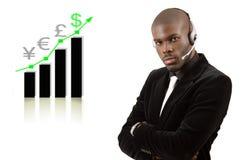 Uomo del sostegno alle imprese con il grafico in aumento immagini stock libere da diritti