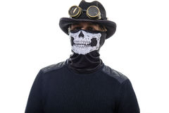 Uomo di Steampunk nel cappello e nello scheletro della maschera Fotografie Stock Libere da Diritti