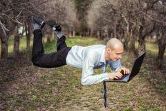 Uomo di volo. Immagine Stock