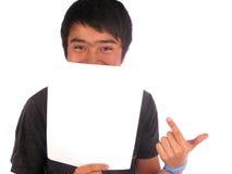Uomo dietro una bandiera Fotografia Stock Libera da Diritti