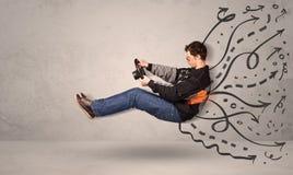 Uomo divertente che conduce una macchina volante con le linee disegnate a mano dopo la h Immagini Stock