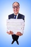 Uomo divertente con i lotti delle cartelle Immagini Stock Libere da Diritti