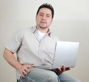 Uomo e computer-6 immagine stock