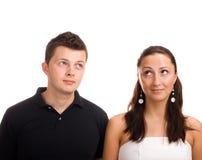 Uomo e donna che osservano in su Fotografia Stock Libera da Diritti