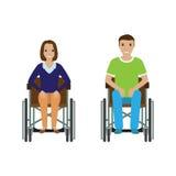 Uomo e donna della gente di inabilità in sedia a rotelle Maschio invalido e femmina isolati su un fondo bianco Immagine Stock