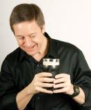 Uomo e la sua birra Fotografie Stock Libere da Diritti