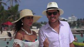 Uomo e moglie arrabbiati stock footage