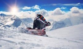 Uomo estremo di snowboard Immagini Stock Libere da Diritti