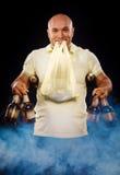 Uomo felice con una birra Fotografia Stock Libera da Diritti