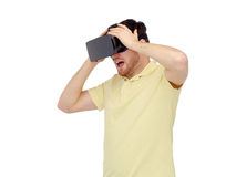 Uomo felice in cuffia avricolare di realtà virtuale o vetri 3d Immagini Stock Libere da Diritti
