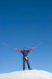 Uomo felice in snowshoe Fotografie Stock Libere da Diritti