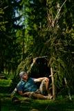 Uomo in foresta Fotografia Stock