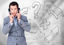 Uomo frustrato di affari con il telefono contro le scale grige confuse ed i grafici di per la matematica Fotografie Stock Libere da Diritti