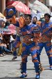 Uomo indigeno di kichwa in costumi colourful nell'Ecuador Immagine Stock