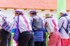 Uomo indigeno di maya nel villaggio di Todos Santos Cuchumatan nel Guatemala immagine stock