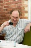 Uomo invecchiato felice con caffè Fotografia Stock Libera da Diritti