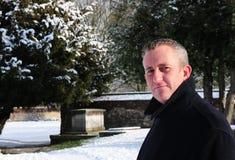 Uomo in inverno fotografie stock