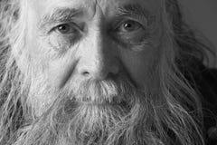 Uomo maggiore con la barba lunga Immagini Stock Libere da Diritti