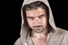 Uomo in maglia con cappuccio Immagine Stock