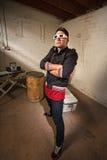 Uomo maldestro nella posa hip-hop Fotografia Stock Libera da Diritti