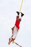 Uomo Mayan dell'aletta di filatoio nel ballo delle alette di filatoio Fotografie Stock Libere da Diritti