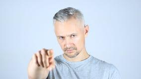 Uomo Medio Evo che indica alla macchina fotografica Immagine Stock Libera da Diritti