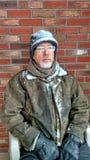 Uomo messo, coperto di neve Fotografia Stock Libera da Diritti