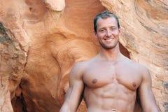 Uomo muscolare atletico fotografia stock