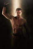 Uomo muscolare potente senza camicia sovrumano Fotografie Stock
