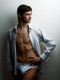 Uomo muscolare sexy fotografie stock libere da diritti