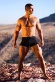 Uomo muscolare sexy. Fotografia Stock Libera da Diritti