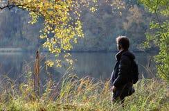 Uomo in natura, Bassa Sassonia, Germania Fotografie Stock Libere da Diritti
