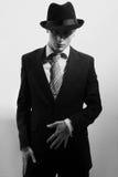 Uomo nel nero o uomo della mafia Fotografia Stock