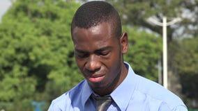 Uomo nero triste di affari stock footage