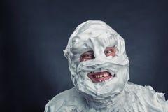 Uomo pazzo con la rasatura della schiuma sul suo fronte Immagine Stock Libera da Diritti