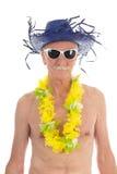 Uomo pensionato alla spiaggia Fotografie Stock Libere da Diritti
