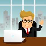Uomo piano del carattere di affari del fumetto con il computer portatile del PC Fotografia Stock Libera da Diritti