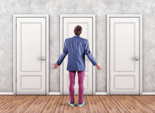 Uomo prima dell'porte Fotografia Stock