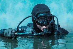 Uomo rana della GUARNIZIONE della marina fotografie stock libere da diritti
