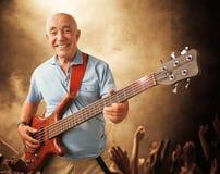 Uomo senior della chitarra Fotografia Stock Libera da Diritti