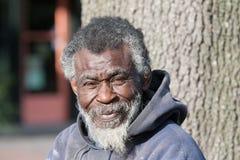 Uomo senza tetto afroamericano Immagini Stock