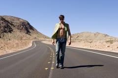 Uomo sulla strada Fotografie Stock