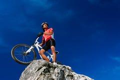 Mountain bike sicuro Fotografia Stock Libera da Diritti