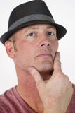 Uomo sicuro di sé in cappello Immagine Stock Libera da Diritti