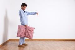 Uomo Sleepwalking Fotografie Stock Libere da Diritti