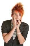 Uomo sorpreso con capelli appuntiti Fotografie Stock Libere da Diritti