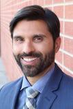 Uomo sorridente, ritratto dello studio - immagine di riserva Fotografie Stock Libere da Diritti