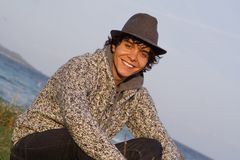 Uomo spagnolo sorridente felice fotografia stock