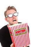 Uomo spaventato in 3D-glasses Fotografia Stock Libera da Diritti