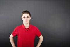 Uomo su backgraund nero Fotografia Stock Libera da Diritti